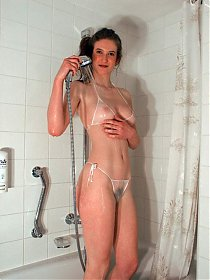 Hirsute hottie being naughty in the shower